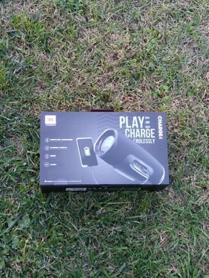 Charge 4 Bluetooth Speakers and Powerbank for Sale in Phillips Ranch, CA