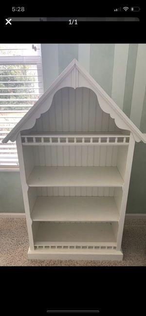 Pottery barn children's bookcase for Sale in Ontarioville, IL
