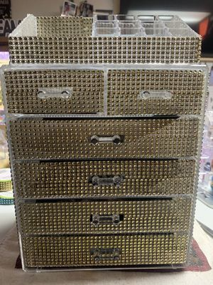 Big Jewelry makeup organizer for Sale in Springfield, MA