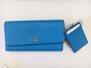 Coach Wallet With Luggage Tag Set - Blue for Sale in El Dorado, KS