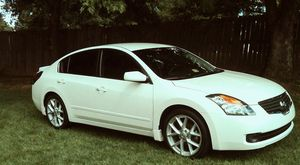 Clean interior 2007 Nissan Altima New tires for Sale in Providence, RI