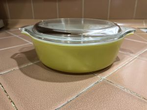 Vintage Pyrex casserole dish for Sale in La Habra, CA