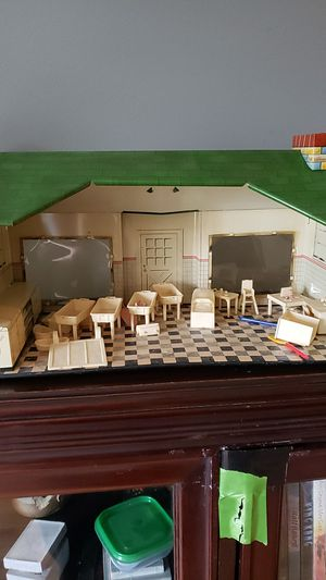 Antique Dollhouse for Sale in Chicago, IL