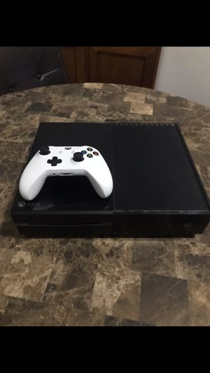 XBOX ONE 500 GB for Sale in Chicago, IL