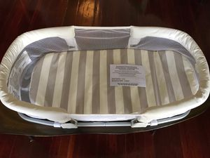 SwaddleMe by your side sleeper for Sale in Seattle, WA