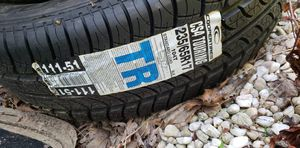 Copper tire 235/65r17 cs4 touring for Sale in Madison Heights, VA