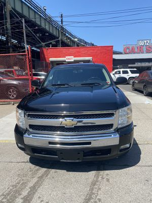 2009 chevy Silverado LT for Sale in Brooklyn, NY