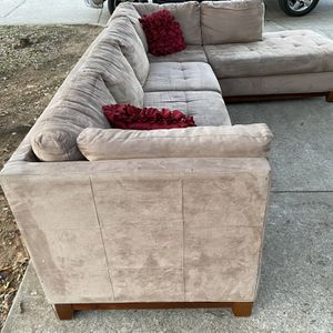 Light Brown/tan Sectional Sofa for Sale in Fort Worth, TX