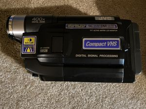 JVC Compact Camcorder Video Camera GR-AXM230U vhs 400x digital zoom for Sale in Buena Park, CA