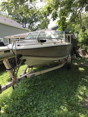 Boat Fixer upper or just Motor for Sale in Lakemoor, IL
