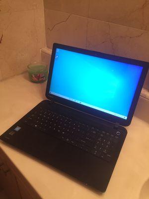 Laptop toshiba intel for Sale in North Miami Beach, FL