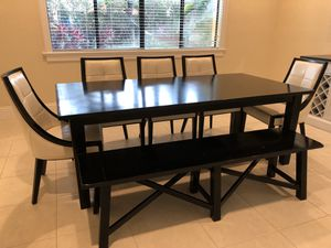 Dining room table for Sale in Palmetto Bay, FL