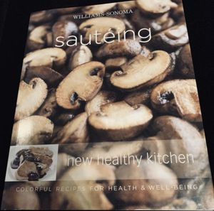 "Williams Sonoma ""Sautéing"" Recipe Book for Sale in Issaquah, WA"
