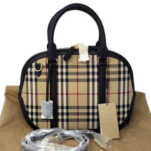 Burberry Orchard Bowling Tote Bag for Sale in Beverly Hills, CA