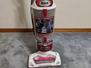 Shark professional Rotator Vacuum Cleaner for Sale in Springdale, AR