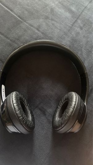 Beats solo 3 (wireless) for Sale in Indianapolis, IN