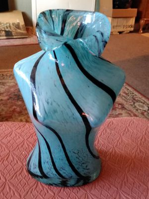 SALE Stunning 13in Glass Collectable for Sale in Wilder, KY