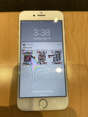 iPhone 8 for Sale in Chantilly, VA