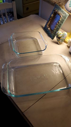 Pyrex glass baking dishes set of 2 for Sale in Rancho Cucamonga, CA