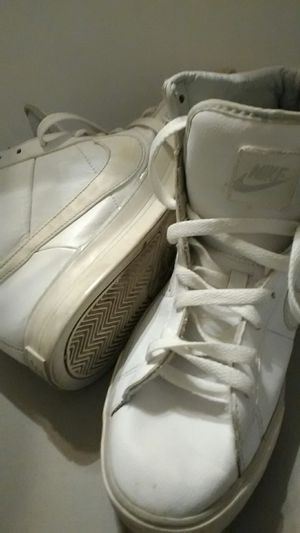 NIKE SWEET CLASSIC HIGH SNEAKER, MEN'S TENNIS SHOES SIZE 9 for Sale in Austin, TX