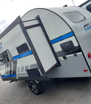 2018 Keystone Bullet Colt 17 with slide Travel trailer for Sale in Huntington Beach, CA