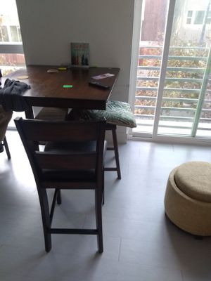 Dining room table w/ 4 chairs for Sale in San Diego, CA