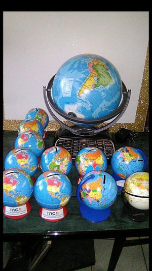 Alcancías Money Piggy Coin Banks World Maps Atlas School Kids Financial for Sale in Miami, FL
