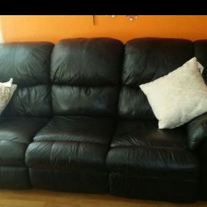 Black Reclining Leather Couch for Sale in Vancouver, WA