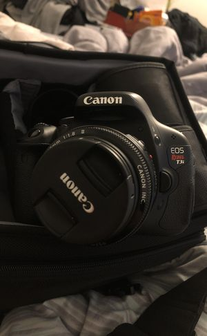 Canon rebel t3i for Sale in San Francisco, CA