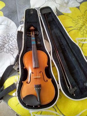 Violin semi nuevo $150 marca Lesly, 3/4 solo lo uso 4 veces mi hija en la escuela, y se guardo, for Sale in Pasadena, TX