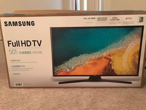 2 TV smart broken screen for Sale in Cleveland, OH
