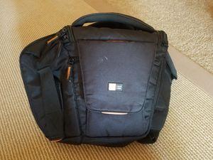 Case Logic Camera Bag Case Sling SLRC-205 for Sale in Salinas, CA