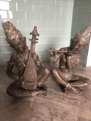 Home decor figurines for Sale in Wenatchee, WA
