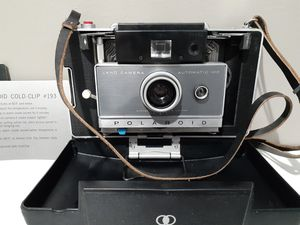 Vintage Polaroid Land Camera Automatic 100 W/ Manual And Cold Clips for Sale in Naugatuck, CT