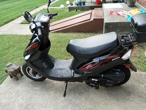 Tao Tao 50cc gas powered scooter for Sale in Frederick, MD