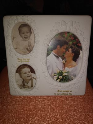 Russ Wedding Picture Frame for Sale in Las Vegas, NV