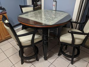 Kitchen table and chairs $250 for Sale in Chicago, IL