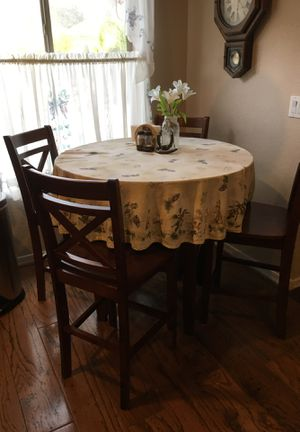 Table 4 chairs for Sale in Apache Junction, AZ