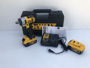 DEWALT 20-Volt MAX Lithium-Ion Cordless 1/2 in. Impact Wrench Kit with (2) Batteries 4Ah, Charger and Tool Bag for Sale in Bakersfield, CA