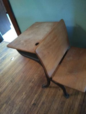 Antique desk for Sale in Columbus, OH