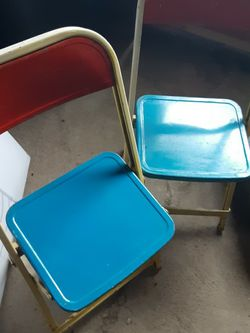 2 Vintage Metal Chairs for Sale in WA,  US