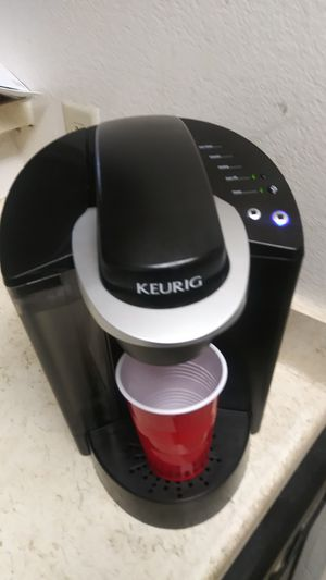 KEURIG COFFEE MAKER IN EXCELLENT WORKING CONDITION. for Sale in Dallas, TX