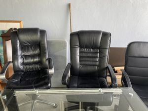 Office tables and chairs for Sale in North Miami Beach, FL