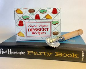 Vintage Mid Century Nabisco Royal Dessert Recipe Tin With Recipe Cards for Sale for sale  Tampa, FL