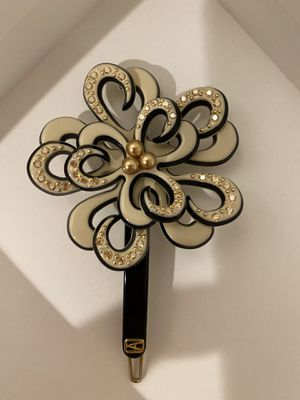 Hair clip. New. Paris. Cash only for Sale in Irvine, CA