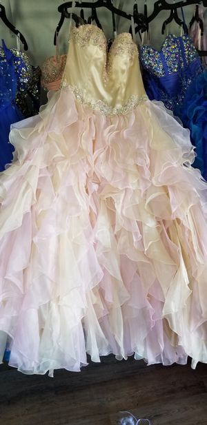 Quinceanera dress for Sale in Cleveland, TX