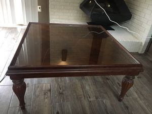 Cherry coffee table for Sale in Fort Wayne, IN