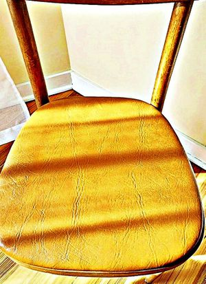 Wooden Shelby Williams Industries MCM chairs (4) with leather seat cushion. for Sale in Providence, RI