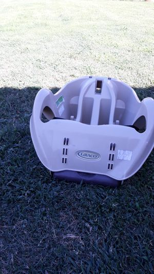 Car seats holder for Sale in Moreno Valley, CA