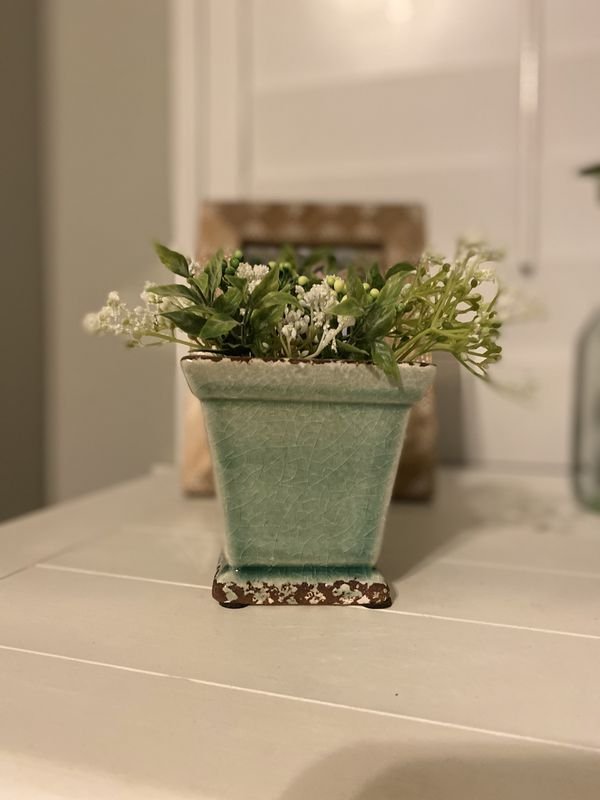 Small Farmhouse planter